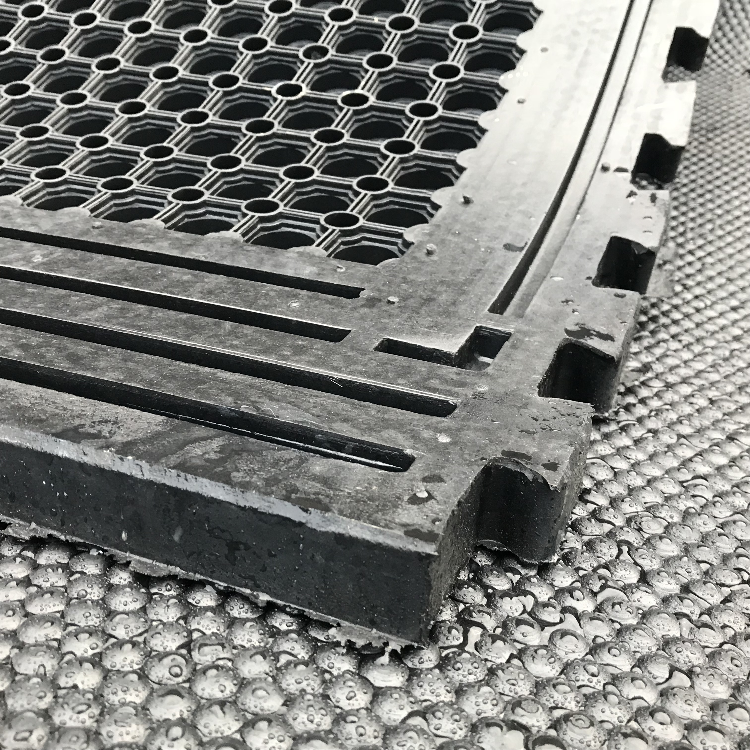 Rubber Comfort Mats Quattro Products